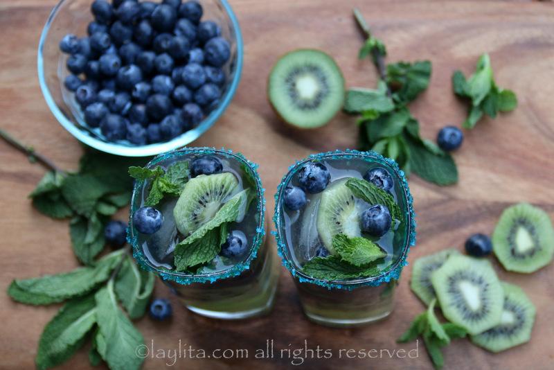 第12人奇异果蓝莓莫希托