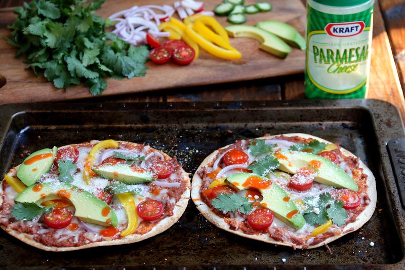 或者添加您喜爱的辣椒酱以及超磨碎的帕玛森奶酪
