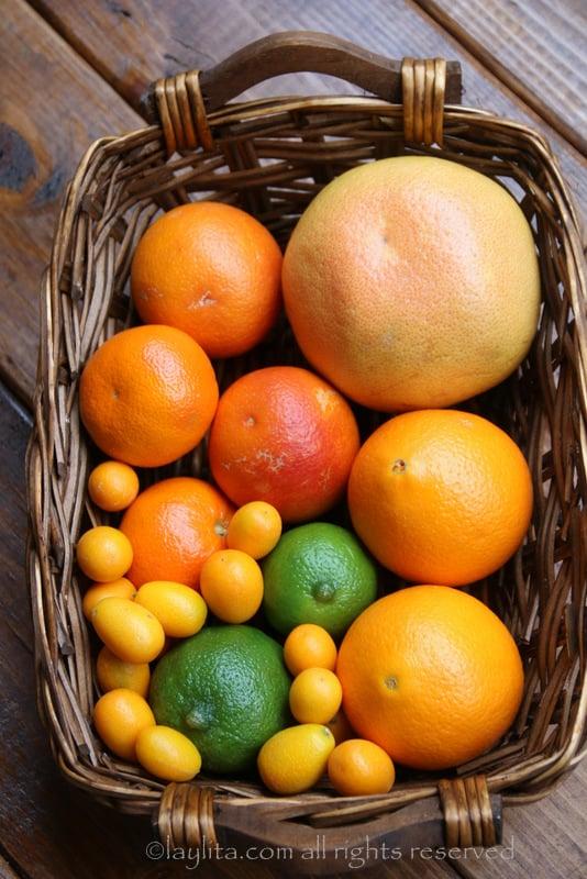橙子、葡萄柚、橘、金橘和青柠的萨尔萨酱