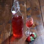 草莓注入龙舌兰酒