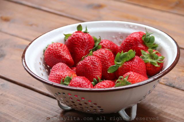 冰棒的新鲜草莓