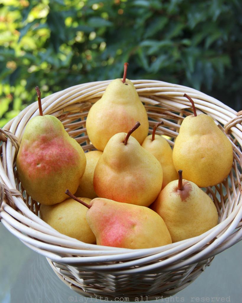 做五香焦糖梨子的熟梨子